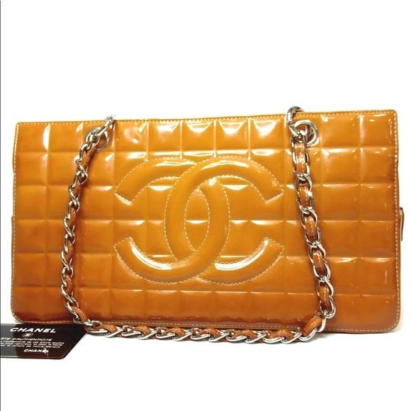 fa18afa07405 CHANEL Handbags - Auth Chanel Choco Bar Chain Enamel Shoulder Bag